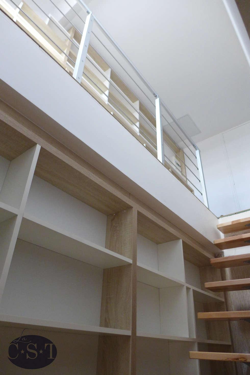Vue depuis l'escalier: Chambre de style de style Minimaliste par La C.S.T