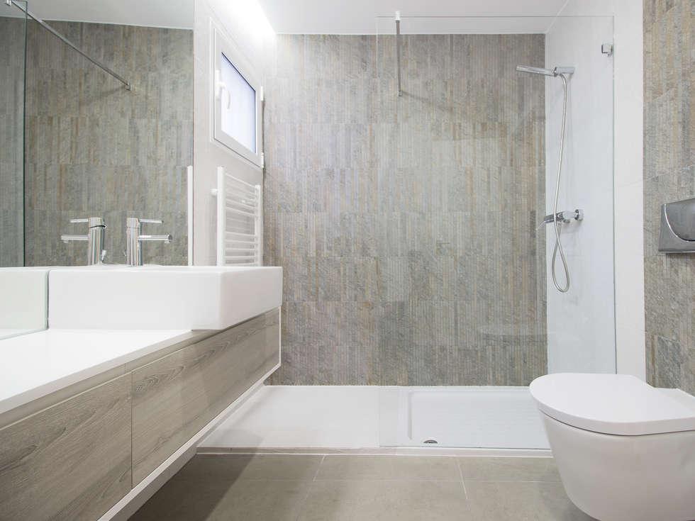 Sótão da Família Maia: Casas de banho escandinavas por Homestories