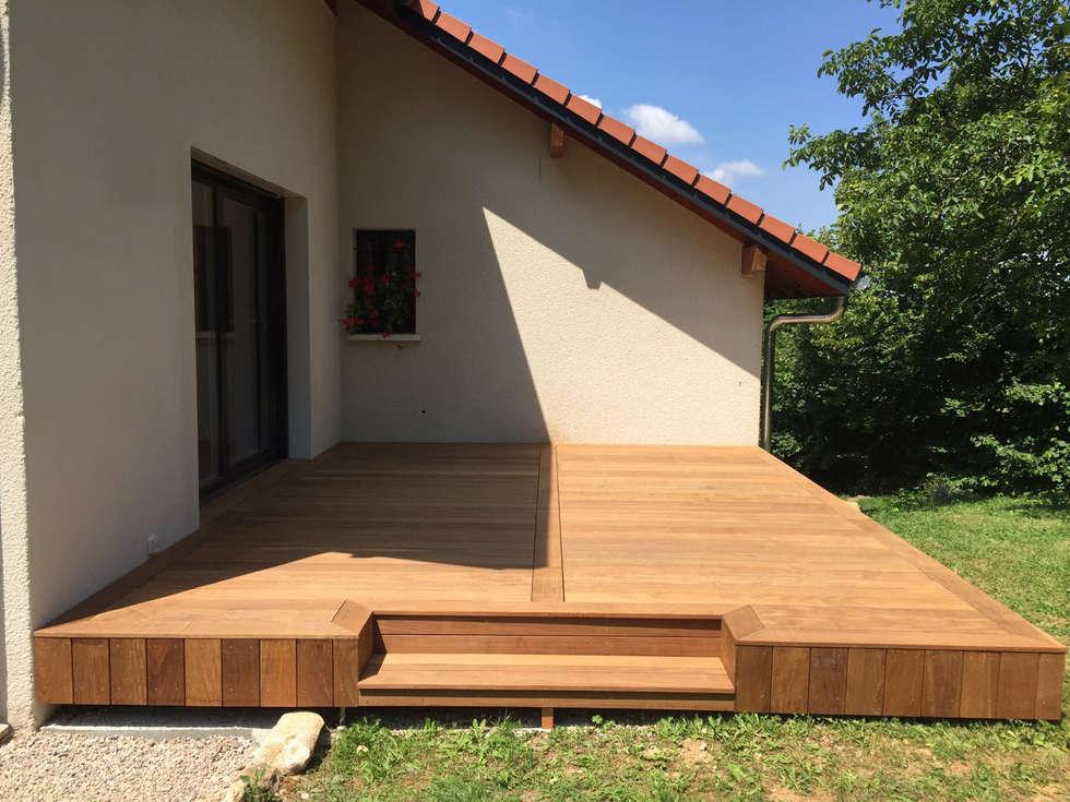 Terrasse bois: Terrasse de style  par AMNIOS