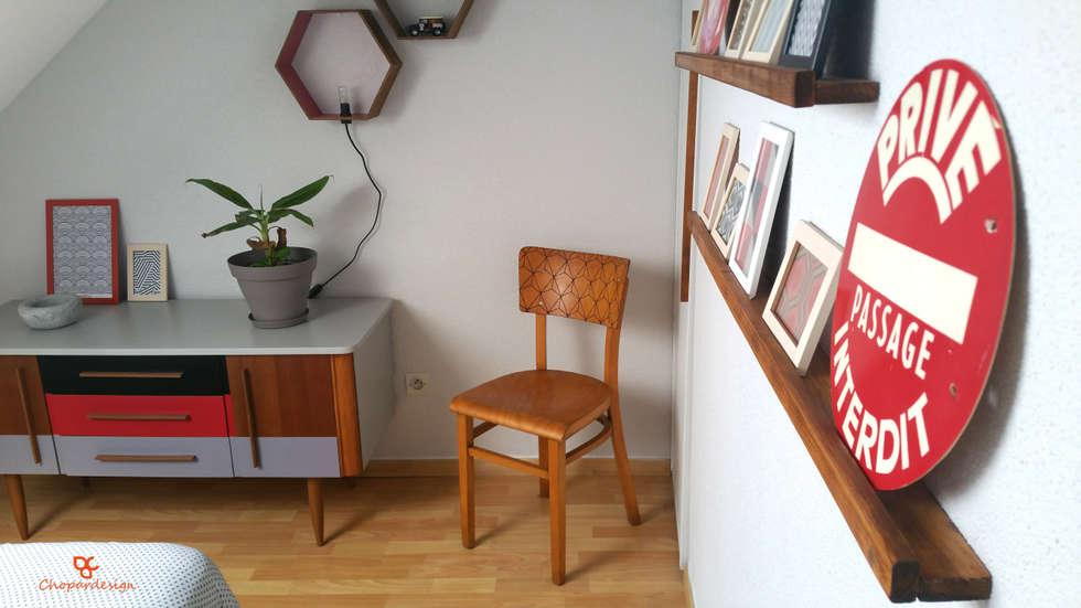 Réaménagement et décoration d'une chambre sous combles à Strasbourg (67): Chambre de style de style Scandinave par Chopardesign