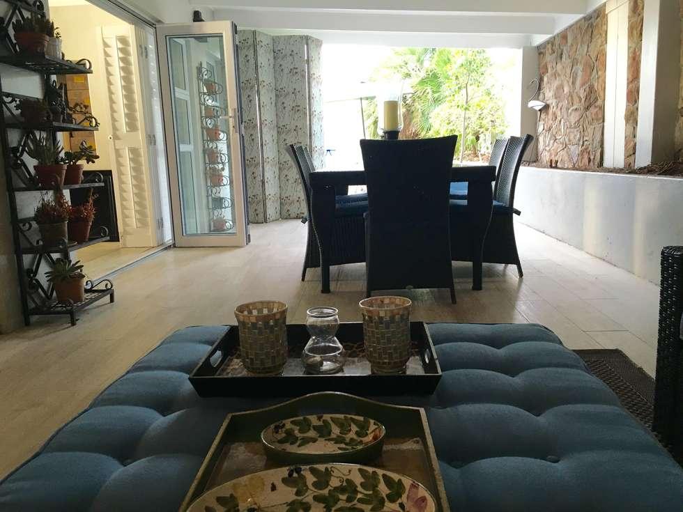 De Kelders Residence Hermanus Western Cape:  Patios by CS DESIGN