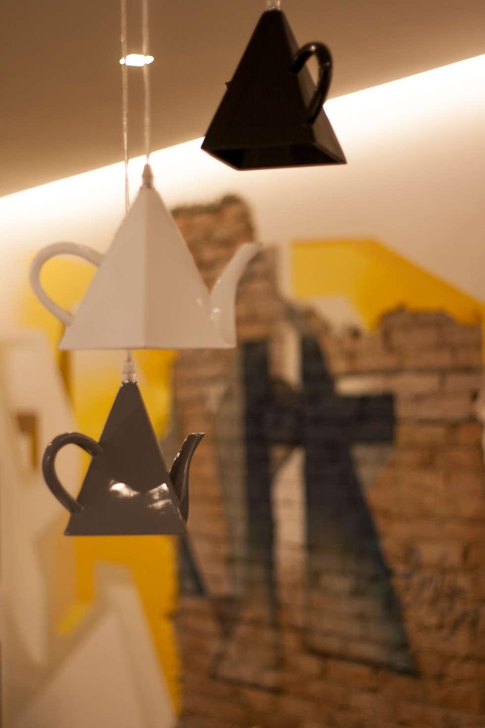 DB house: Cucina in stile in stile Eclettico di Architettura & Interior Design 'Officina Archetipo'