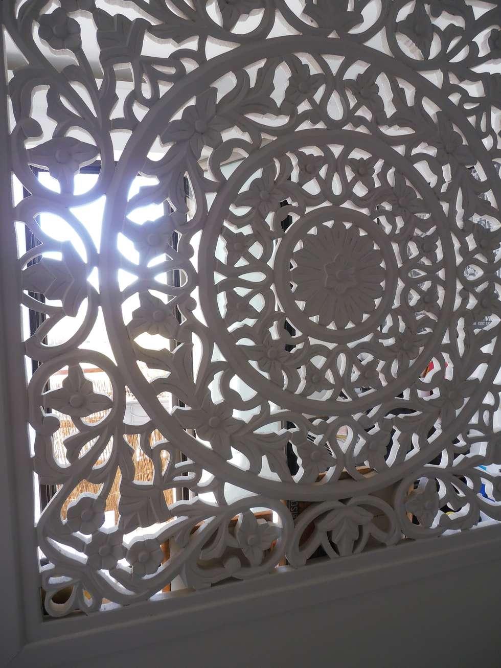 moucharabieh: Chambre de style de style Industriel par espaces & déco