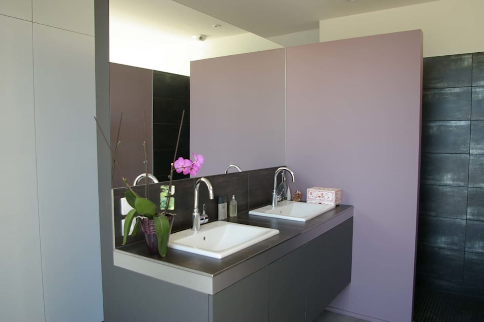 modern Bathroom by FORT & SALIER