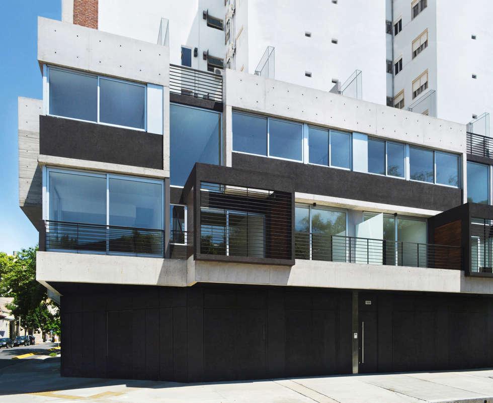 Fachada Mariano Acha: Casas de estilo moderno por F2M Arquitectos