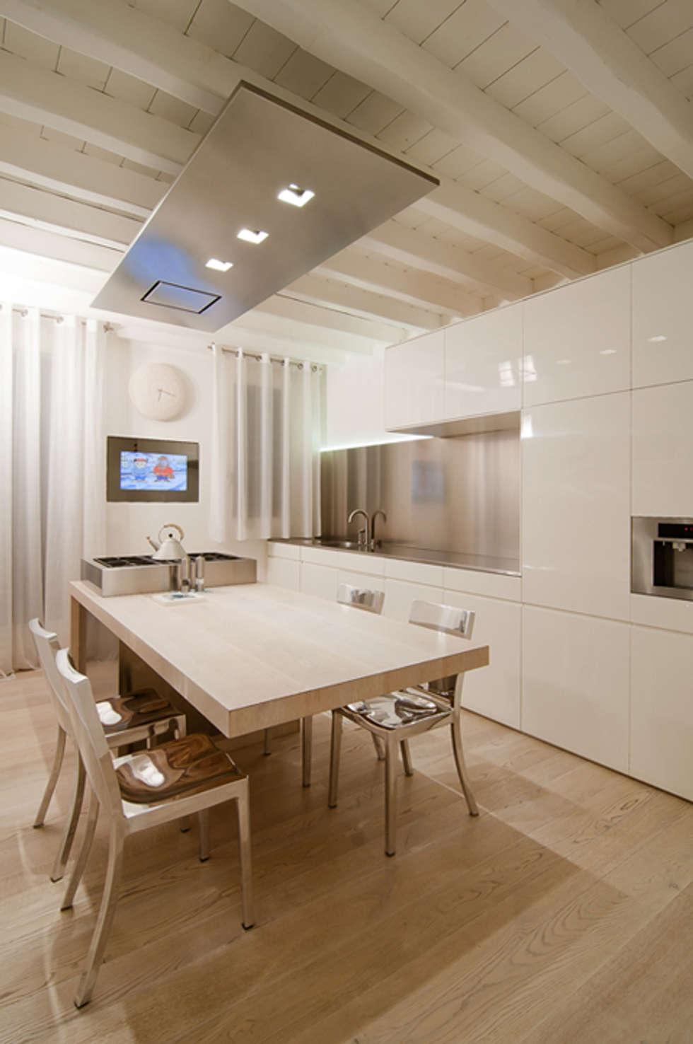 Idee arredamento casa interior design homify for Arredamenti su misura