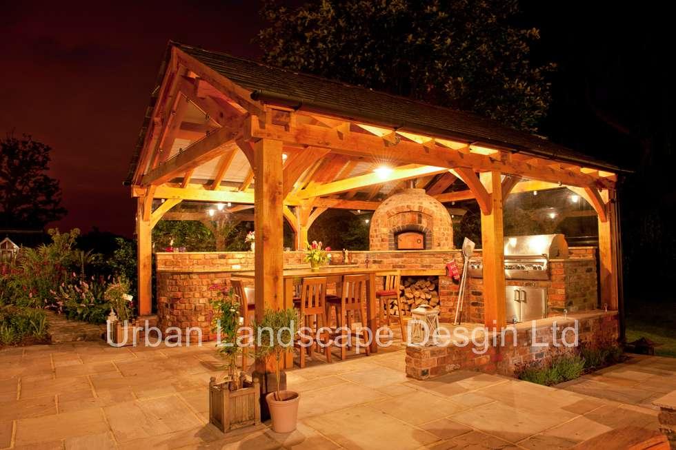 Outdoor Kitchen & Oak Building: country Garden by Urban Landscape Design Ltd