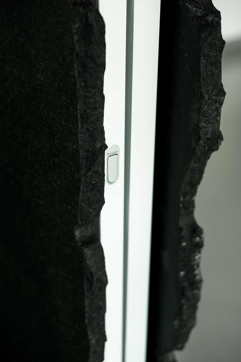 Porte Scorrevoli di Design-Particolare: Finestre in stile  di Dima snc di Maiocchi Dario e c.