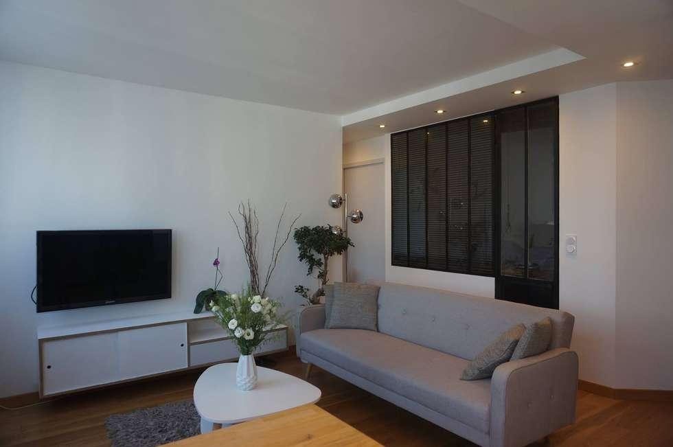 Salon: Salon de style de style Scandinave par C'Design architectes d'intérieur