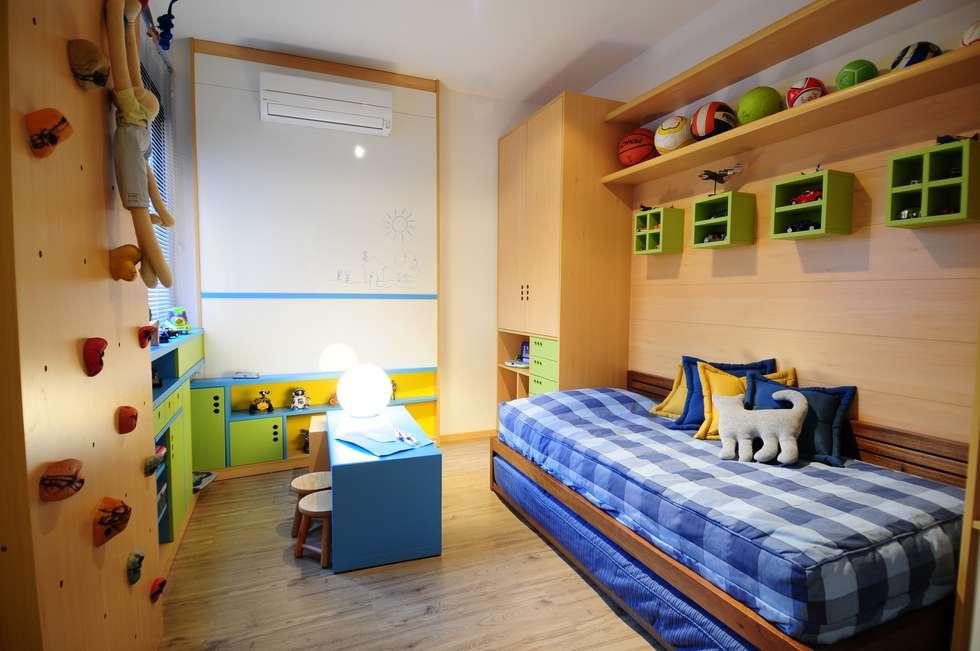 Dormitorios para niños de estilo  por João Luís Linck | Arquitetura
