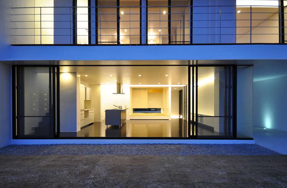 Ventanas de estilo  por 門一級建築士事務所