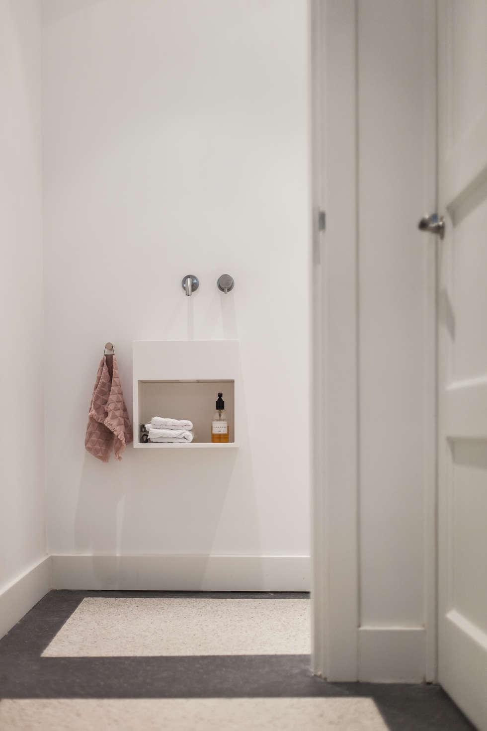 https://images.homify.com/c_fill,f_auto,q_auto:eco,w_980/v1477047306/p/photo/image/1680259/Architect_Nijmegen_interieur_verbouwing_toilet_7.jpg
