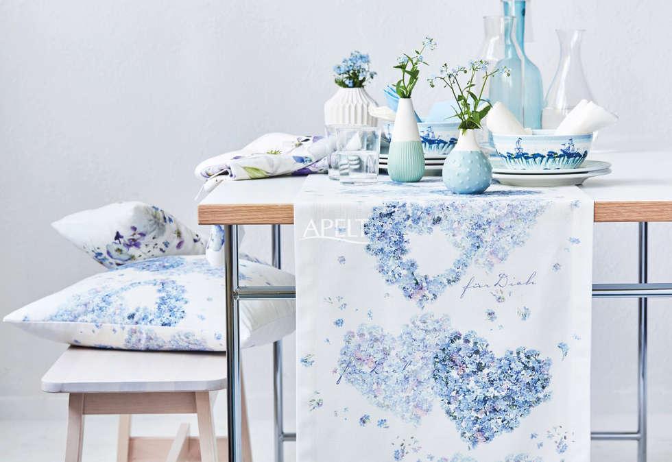 Tischband Und Kissen Mit Bltenherz Moderne Wohnzimmer Von APELT STOFFE