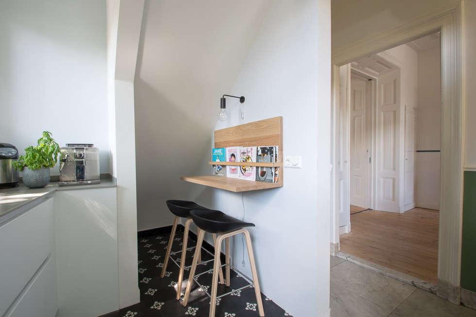 Moderne keuken in herenhuis - Fotos van woonkamer meubels ...