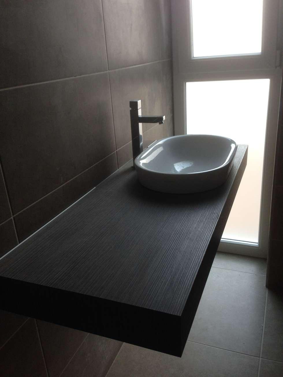 Bagno: Bagno in stile in stile Minimalista di Cozzi Arch. Mauro