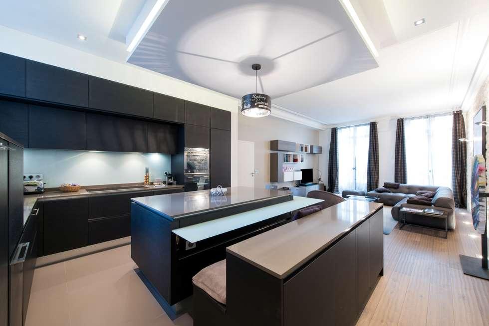 grande salle de séjour, style classique et naturel: Salon de style de style Moderne par LA CUISINE DANS LE BAIN SK CONCEPT