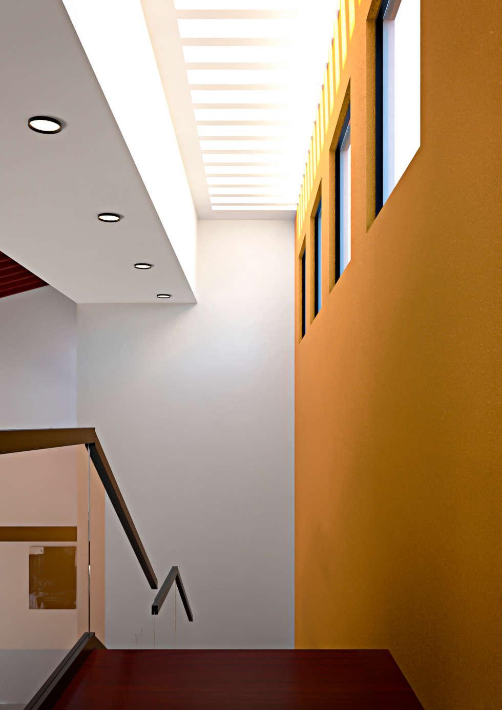 Escalera: Salas de estilo mediterraneo por Laboratorio Mexicano de Arquitectura