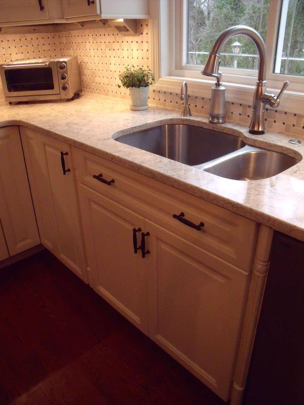 Light, Bright, White Kitchen: classic Kitchen by Kitchen Krafter Design/Remodel Showroom