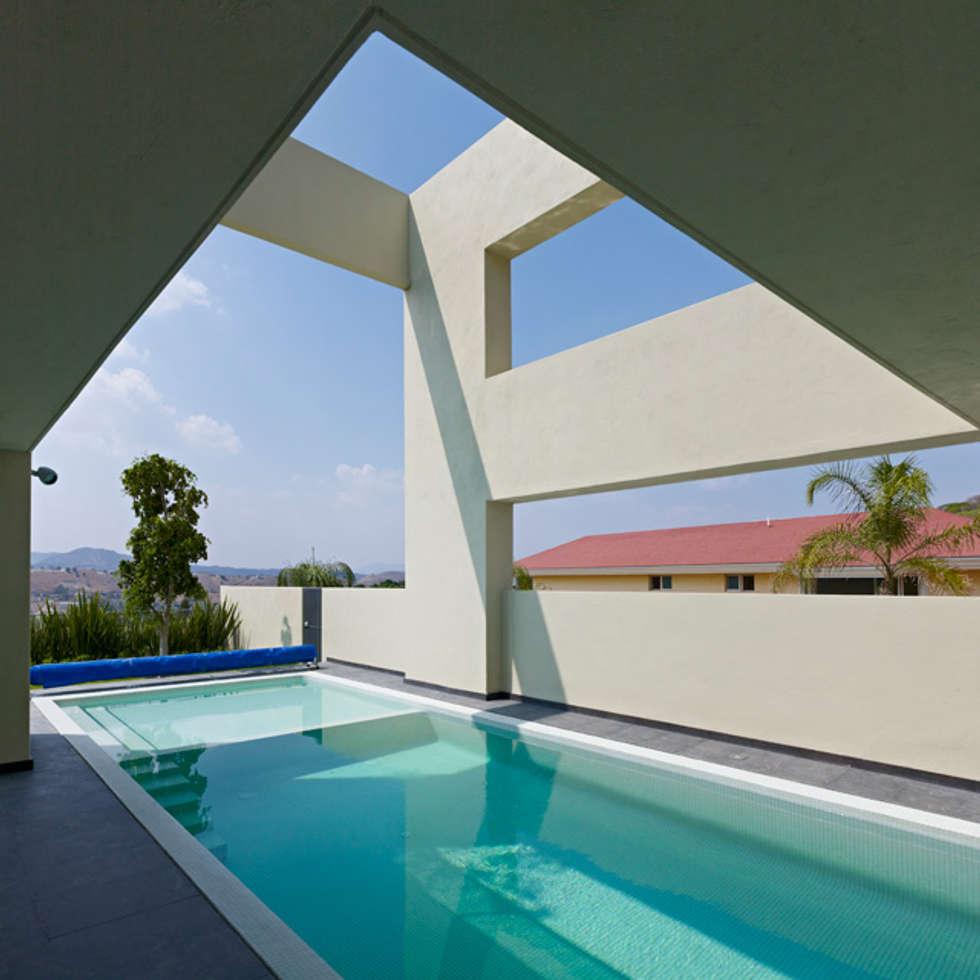 ALBERCA: Albercas de estilo minimalista por Excelencia en Diseño