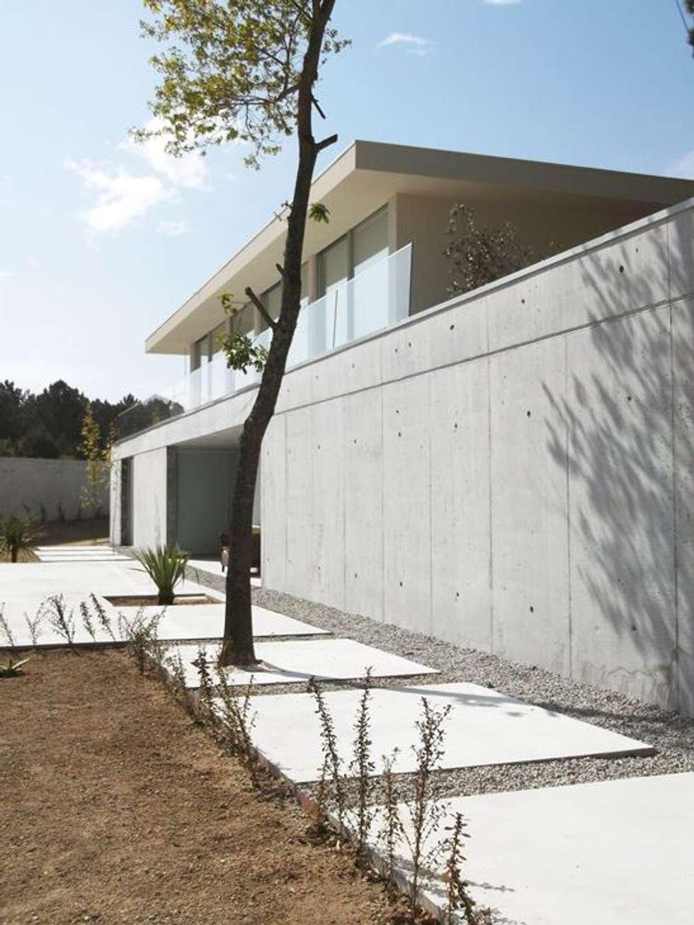 Casa Claudia: Jardins minimalistas por Artspazios, arquitectos e designers