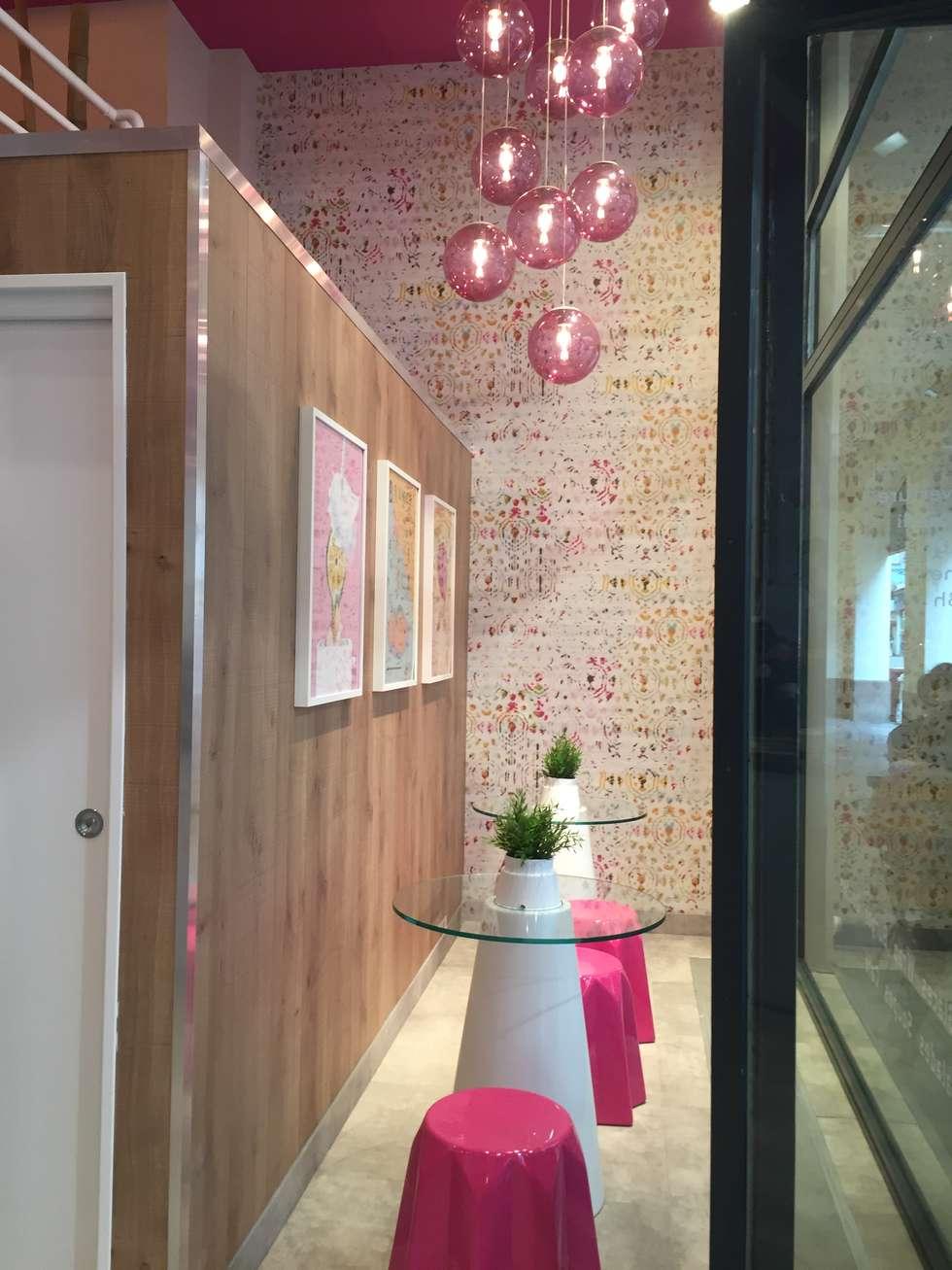 "Aménagement & Décoration Smoothie Bar ""HELIXIR "" - STRASBOURG: Restaurants de style  par aDesign Aménagement"
