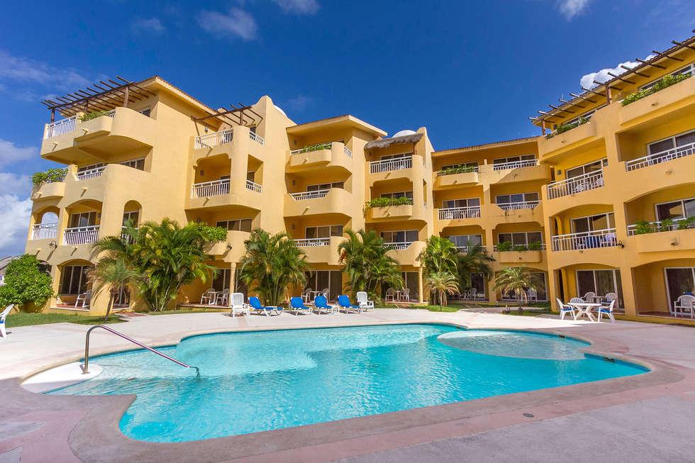 HOTEL PLAYA AZUL: Casas de estilo mediterraneo por DISEÑO APLICADO AVANZADO DE GUADALAJARA