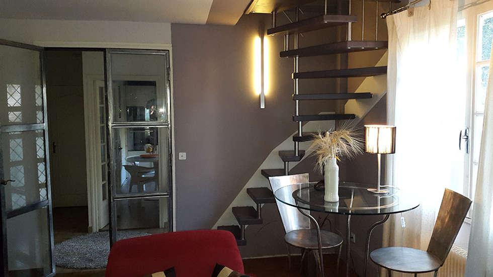 Escalier Epura noir : Couloir et hall d'entrée de style  par Passion Bois