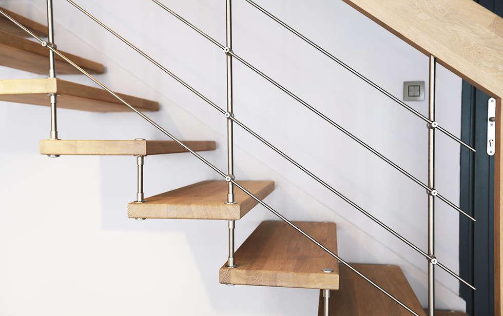 Rampe d'escalier: Couloir et hall d'entrée de style  par Passion Bois