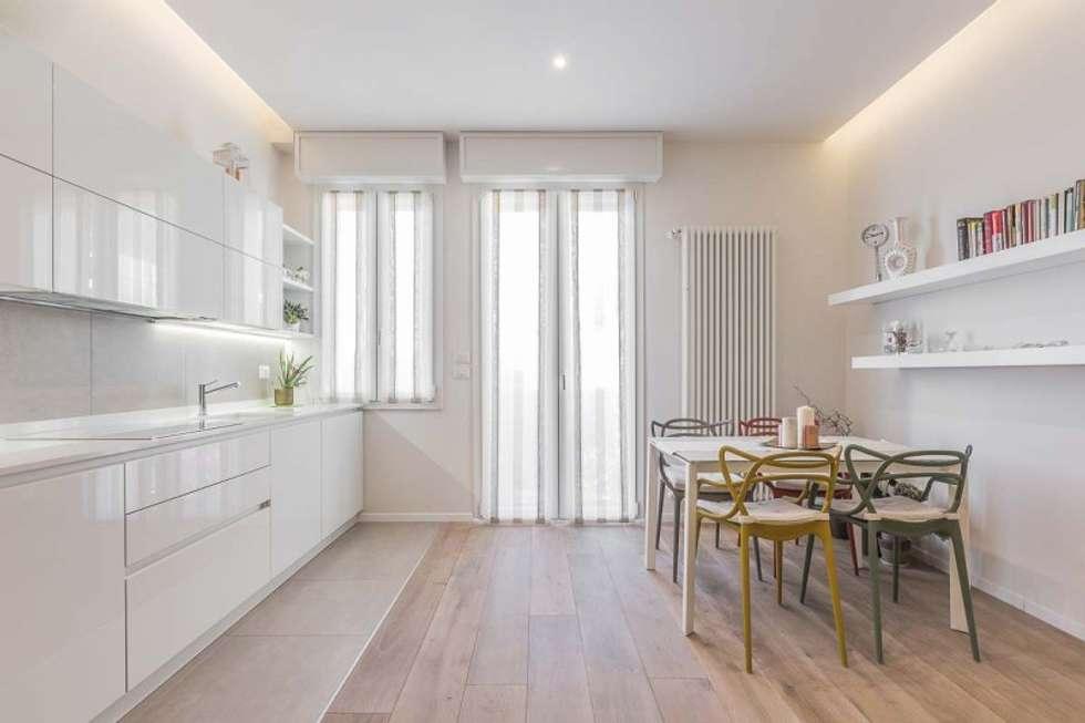 Cucina Open space: Cucina in stile in stile Moderno di Facile Ristrutturare