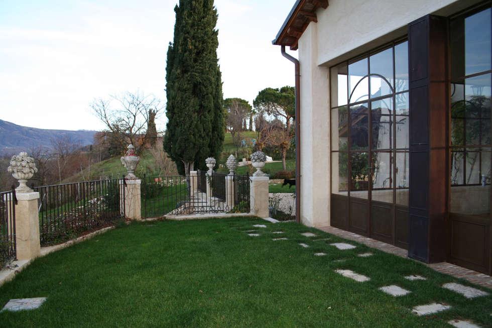 VILLI ZANINI - Restauro Abitazione - Asolo (TV) - 02: Case in stile in stile Minimalista di Villi Zanini - Wrought Iron Art