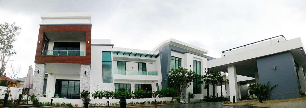 ผลงานสร้างบ้านพักอาศัย 2 ชั้น Modern1 Style by KL-Cons.:  บ้านและที่อยู่อาศัย by บริษัท เค.แอล.คอนสตรัคชั่น แอนด์ ซัพพลาย จำกัด