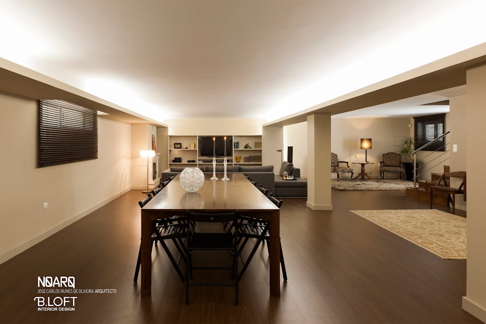 Espaço de Jantar: Salas de jantar clássicas por B.loft