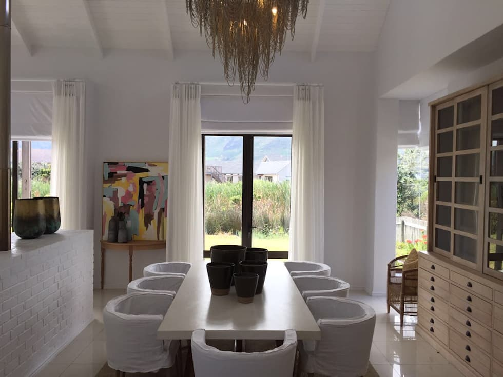 Dining Room: modern Dining room by Holloway and Hound architecture and interiors
