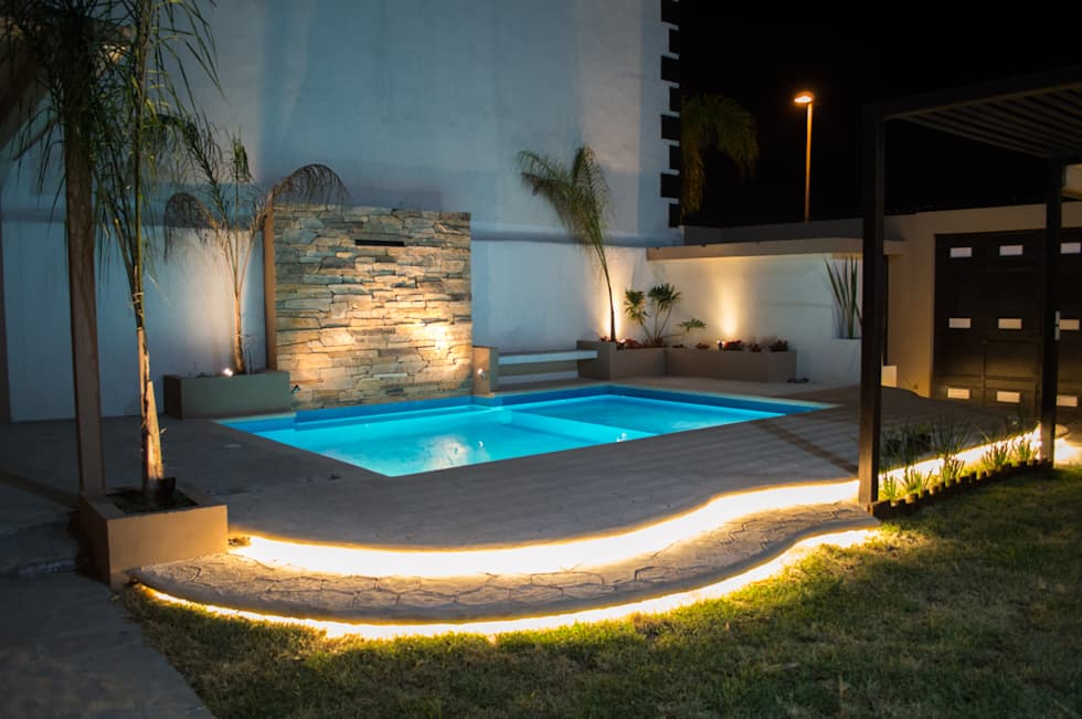 Piscinas modernas por superficie actual homify for Piscinas de superficie rectangulares