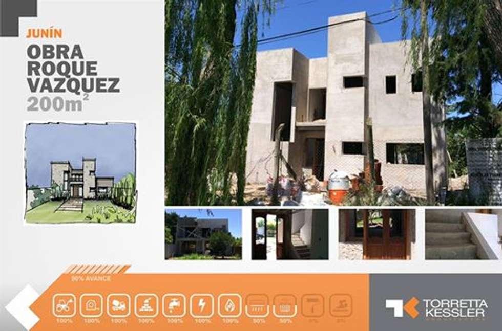 Casa urbana : Casas de estilo moderno por TORRETTA KESSLER Arquitectos