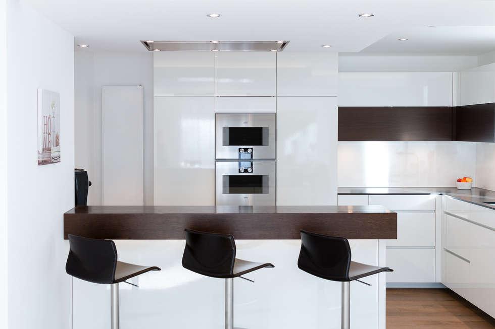 Moderne küche bilder wohnküche nach maß mit kochinsel homify hause deko