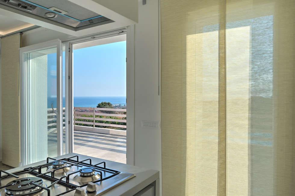 Villa GD: Cucina in stile in stile Moderno di DFG Architetti