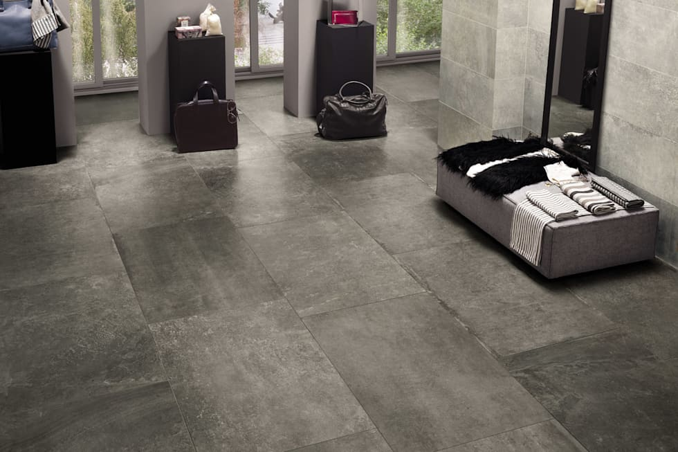 Gres porcellanato effetto pietra antracite indoor - ARC 5002: Soggiorno in stile in stile Moderno di ItalianGres