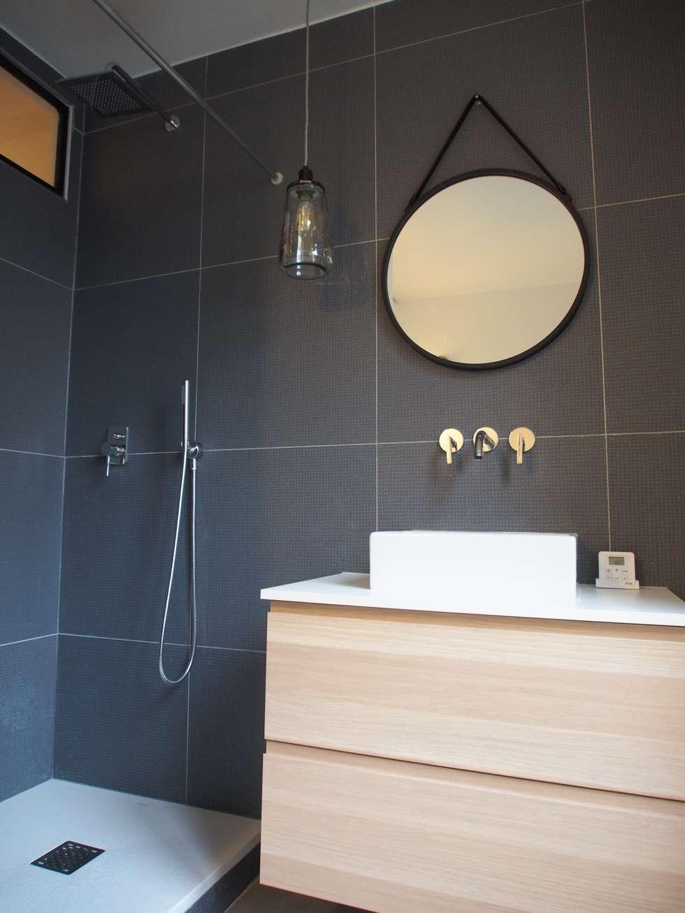 Salle de bain: Salle à manger de style de style Moderne par deSYgn by JM2