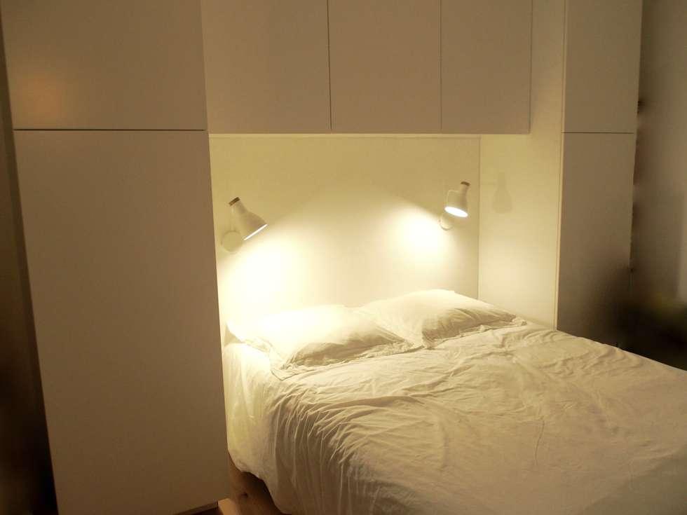 Chambre (placards en pont): Chambre de style de style Moderne par deSYgn by JM2