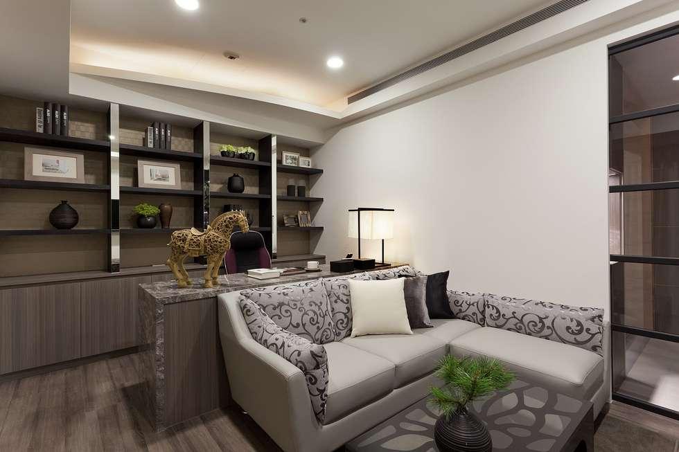 書房+起居室:  書房/辦公室 by Green Leaf Interior青葉室內設計