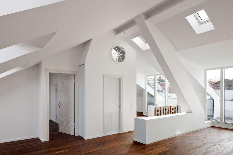 living area: modern Living room by brandt+simon architekten