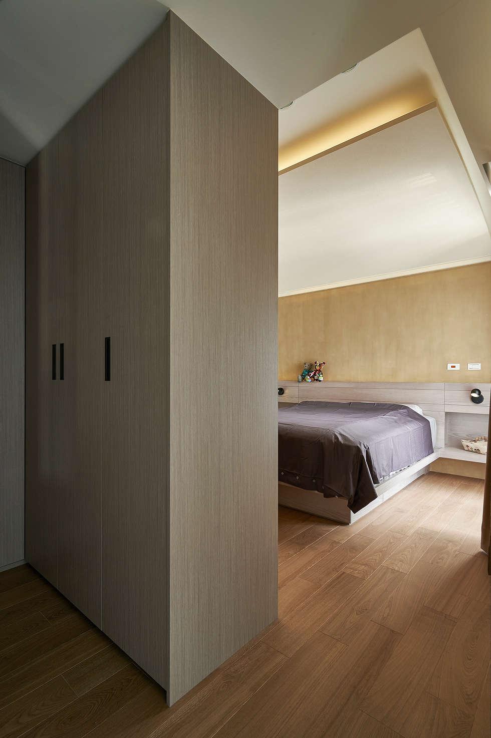雙色珪藻土凸顯牆面豐富層次:  臥室 by 青瓷設計工程有限公司