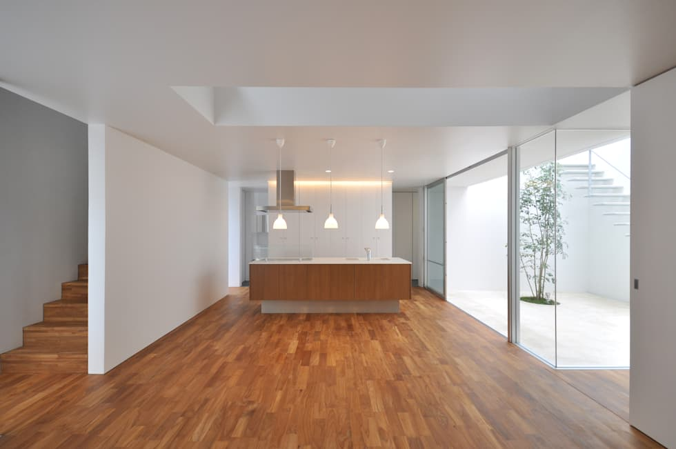 UM-HOUSE: 門一級建築士事務所が手掛けたダイニングです。