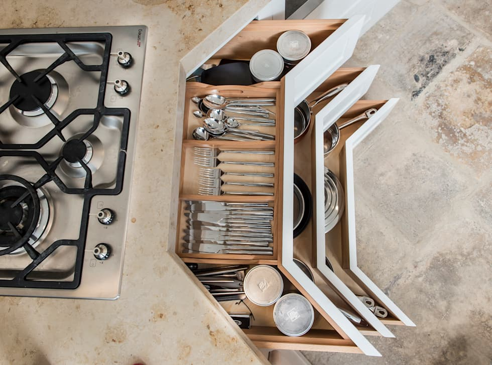 handles shaker: country Kitchen by Auspicious Furniture