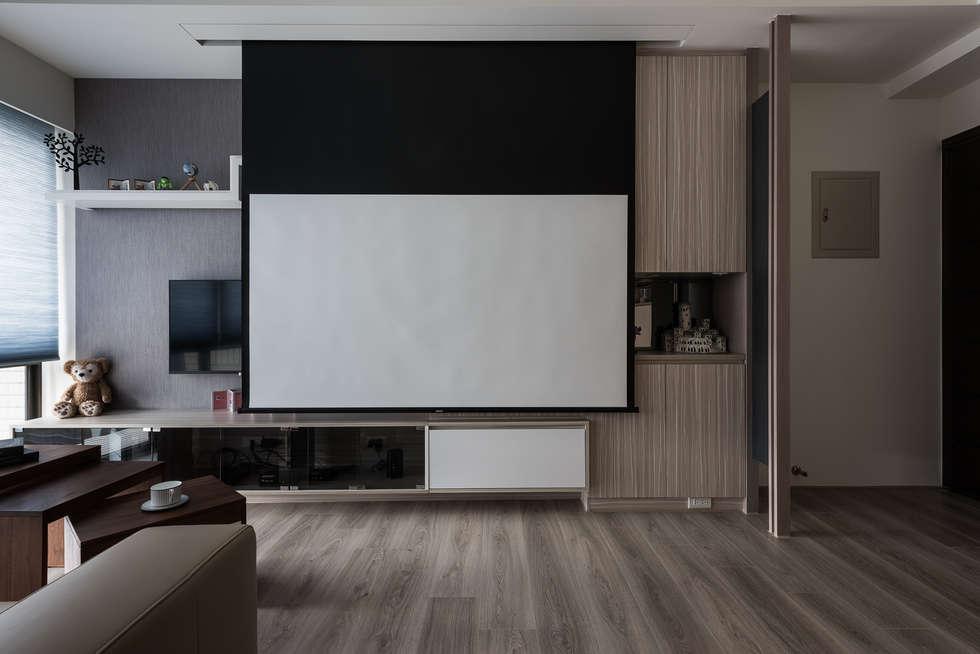 視聽娛樂:  客廳 by 你你空間設計