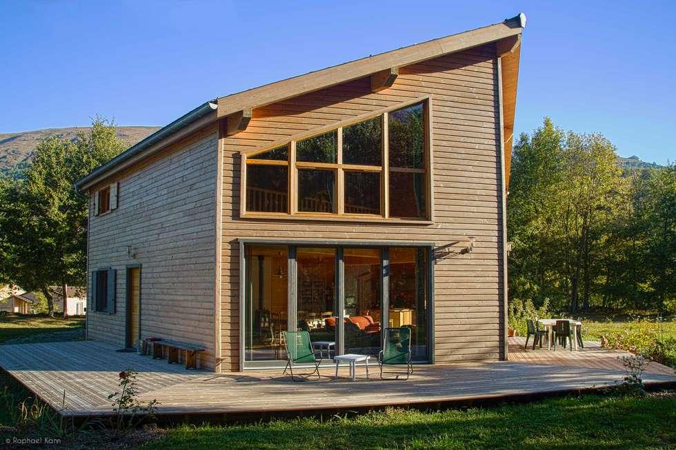 Maison ossature bois Pyrénées: Maisons de style de style Moderne par Falco Construction Bois