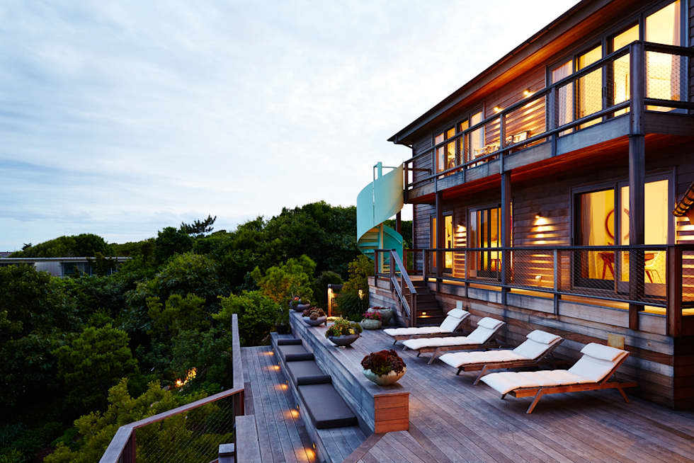 Old Montauk Highway House:  Patios & Decks by SA-DA Architecture