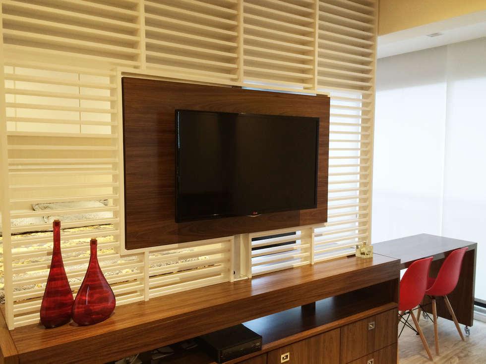 Salas multimédia modernas por LILIAN FUGITA ARQUITETURA