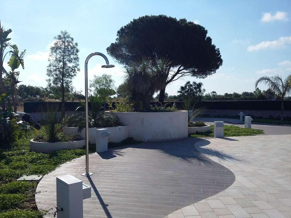 Idee arredamento casa interior design homify - Progetto giardino mediterraneo ...